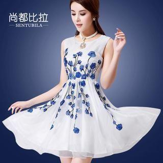 Sentubila - Sleeveless Floral Embroidered Organza Dress