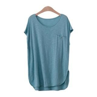 PEPER - Round-Neck Pocket-Accent Dip-Back T-Shirt