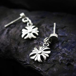 Sterlingworth - Pattee Cross Sterling Silver Single Earring