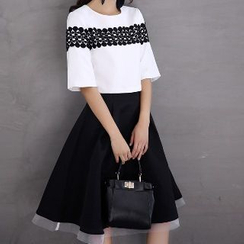 Romantica - Set: Lace-Panel T-Shirt + Skirt