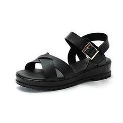 MODELSIS - Cross-Strap Buckled Sandals