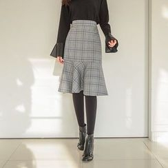 Seoul Fashion - Band-Waist Ruffle-Hem Plaid Midi Skirt