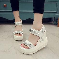 Yoflap - Chain Detailed Platform Wedge Sandals
