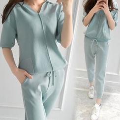 Ashlee - 套装: V领连帽衫 + 条纹运动裤