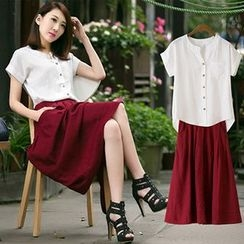 Lavogo - Set: Short-Sleeve V-Neck Blouse + A-Line Skirt