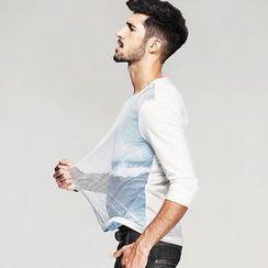 Quincy King - Long-Sleeve Mesh Panel T-Shirt
