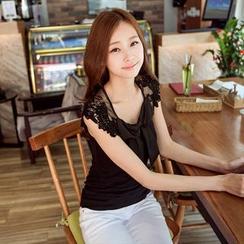 Tokyo Fashion - Short-Sleeve Lace Panel T-Shirt