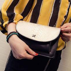 Clair Fashion - 韩剧同款质感蛇纹链条小方包