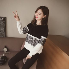 Cocofield - Lace Panel Colour Block Sweatshirt