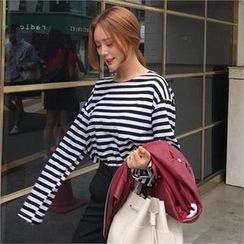 QNIGIRLS - Drop-Shoulder Stripe T-Shirt