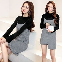 AiSun - Set : Plain Long-Sleeve Top + Houndstooth Strap Dress