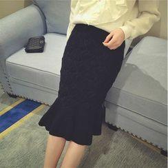 Shatan - Ruffle Hem Midi Knit Skirt