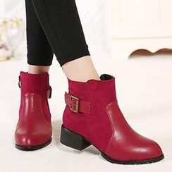 Mancienne - Belted Zip Ankle Boots