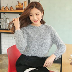 Cherryville - Crewneck Furry Sweater