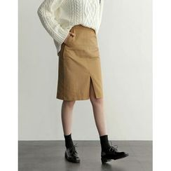 UPTOWNHOLIC - Slit-Front Midi Skirt
