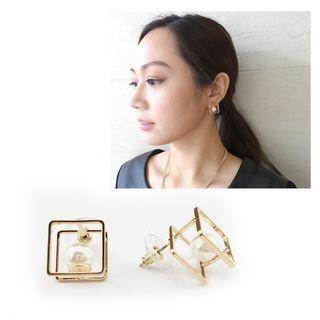 musé - Gold Framed Pearl Earrings