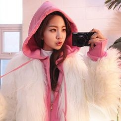chuu - Hook-and-Eye Faux-Fur Jacket