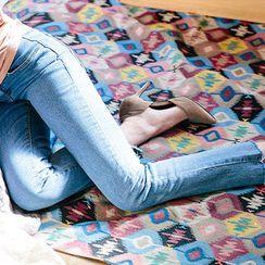 chuu - Fray-Hem Washed Slim-Fit Jeans