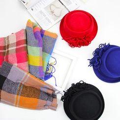 BADA - Set: Bowler Hat + Plaid Scarf