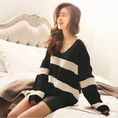 NANING9 - V-Neck Color-Block Sweater