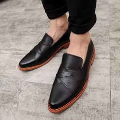 Hipsteria - Faux Leather Loafers