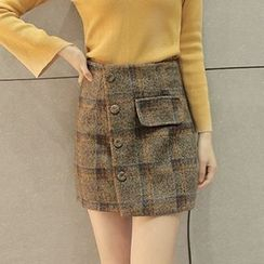 Maine - Plaid Side-Button Miniskirt