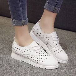 Yoflap - Star Perforated Lace Up Shoes