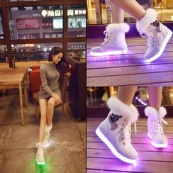 Sleeko - LED-Sole Ankle Snow Boots
