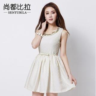 Sentubila - Sleeveless Embossed A-Line Dress With Belt