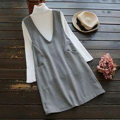 YOYO - 套装:背带裙 + 樽领毛衣