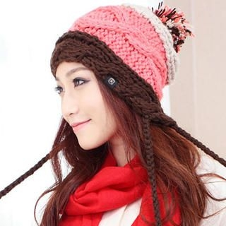 Momiton - Pompom-Accent Color-Block Beanie