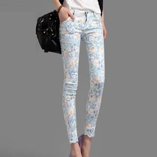 On The Block - Scalloped-Trim Floral Skinny Pants
