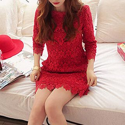 Queen Bee - 3/4-Sleeve Lace Panel Dress