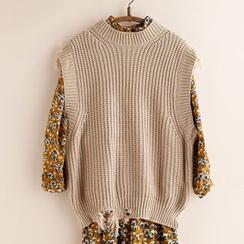 11.STREET - Chunky Knit Vest