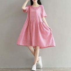 Clover Dream - Short-Sleeve Check A-Line Dress