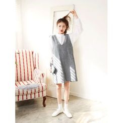 LOLOten - V-Neck Wool Blend Jumper Dress