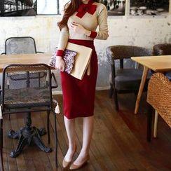 Bubbleknot - Set: Tie-Neck Knit Top + Midi Skirt