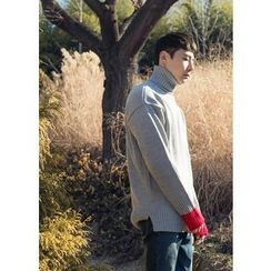 GERIO - Turtle-Neck Contrast-Cuff Sweater