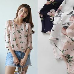 CLICK - 3/4-Sleeve Floral Pattern Blouse