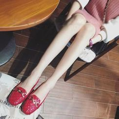 QQ Trend - 链条装饰漆皮乐福鞋