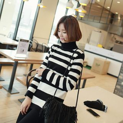 CLICK - Turtleneck Striped Sweater