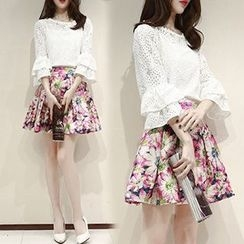 Ashlee - Set: Elbow-Sleeve Lace Panel Blouse + Floral Skirt