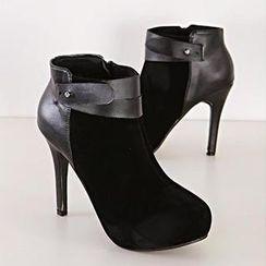 Mancienne - Belted Heel Shoe Boots