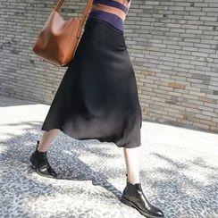 CERA - Plain A-line Knit Skirt