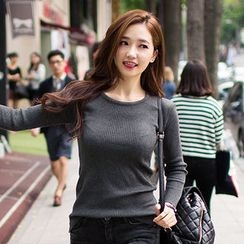 chuu - Round-Neck Ribbed Top
