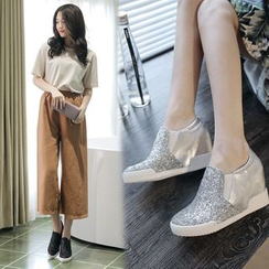 JY Shoes - Glitter Hidden Wedge Slip-Ons
