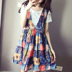 Fashion Street - Set: Short Sleeve T-Shirt + Printed Pinafore Dress