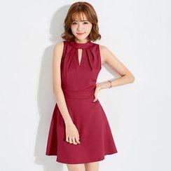 Tokyo Fashion - Sleeveless Cutout A-Line Dress