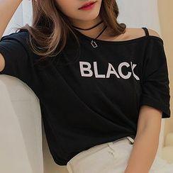 Ashlee - Off-shoulder Letter Short-Sleeve T-shirt