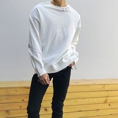 Mr. Cai - Plain Metal Ring Pullover